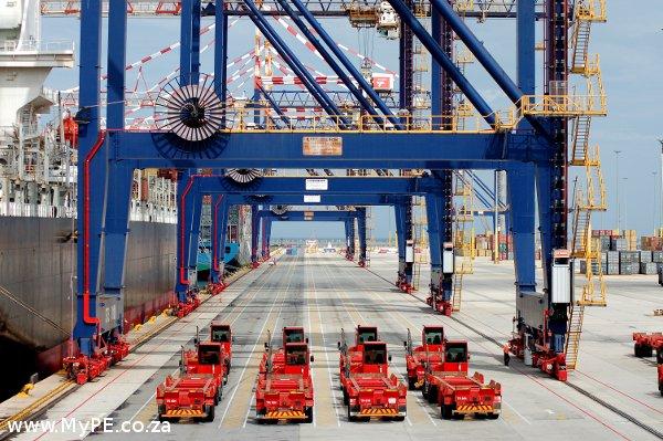Container Cranes Nqura