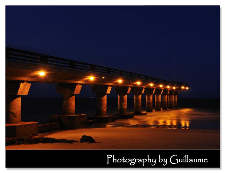 Shark Rock Pier at night. Photographer: Guillaume Ah Shene, owner of Photography by Guillaume