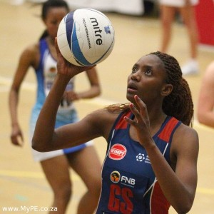 Captain Dumisane Chauke helped her SPAR-Madibaz side to a third straight victory in the inaugural Varsity Netball series when they beat UCT 67-22 at NMMU South Campus in Port Elizabeth on Monday night. Photo: Michael Sheehan/SASPA