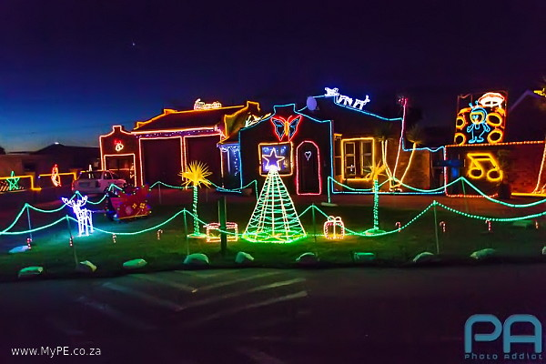 Christmas Light display in Rowan Street, Rowallan Park