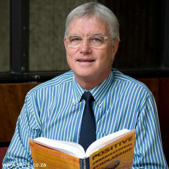 Dr Johan Schoeman