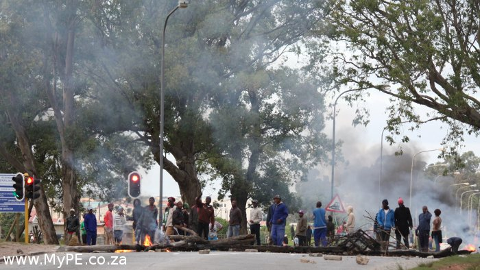 Walmer protest action flares up again