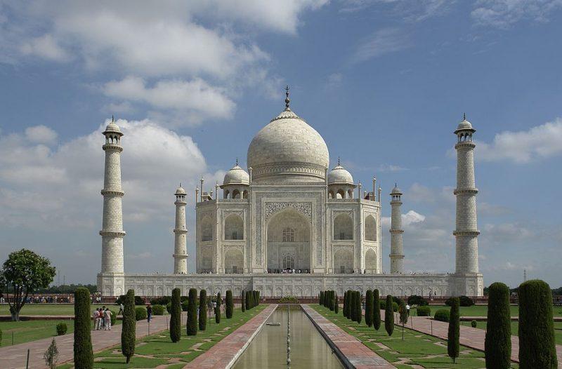 1024px-Taj_Mahal,_Agra,_India