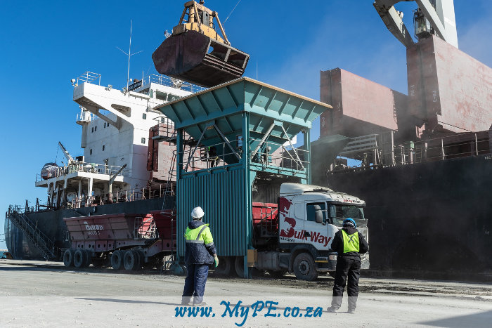The GENCO BRITTANY makes history in the Port of Ngqura by discharging the first cargo of raw material for the newly established Osho Cement factory in the Coega SEZ.