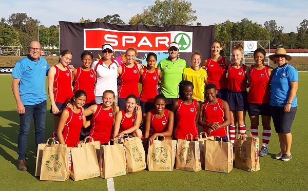 The Queenstown Girls' High School team which won the East London Inland leg of the SPAR Eastern Cape Schoolgirls Hockey Challenge in King William's Town on Sunday is (back, from the left) SPAR EC sponsorships and events manager Alan Stapleton, Emma du Preez, Rulene Fourie, Nicolette Stone (manager), Teagan Roux, Caryn Goodman, Simon Brill (coach), Jana Benecke, Kirsten Lyons, Tyler-Mae Roux, Alison Wall, tournament director Bev Forword, (front, from the left) Amy Styles, Tarien Wentzel, Courtney Stone, Louisa Naidoo, Sibulele Ngculu and Asavela Qongoqo. Photo: Supplied